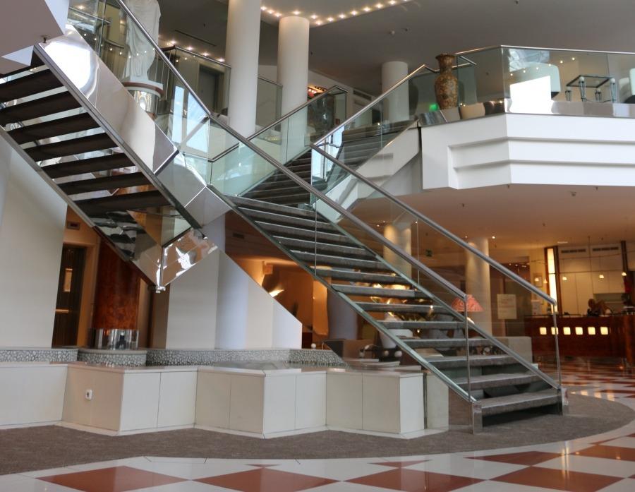 freie jobs im relexa hotel frankfurt am main. Black Bedroom Furniture Sets. Home Design Ideas